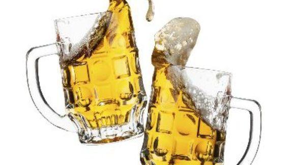635485237794000274-beerglasses-410x360